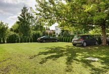Parking wzmocniony kratkami trawnikowymi
