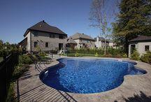 Piscines / L'été va vite arriver ! Venez découvrir le plus grand choix de piscines de surface au Québec ! Des modèles sur mesure adaptés à l'esthétique de votre maison. #piscines #design  Faîtes votre choix sur notre site : http://www.piscinesperrin.com/Piscines/