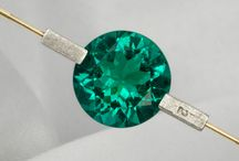 5.28 carat Rare Round Brilliant cut  Colombian Emerald / Lose yourself in the Verdant depths of this Fabulous stone!