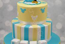 Mickey & Minnie / Des gâteaux d'anniversaire sur le thème de MIckey et de Minnie Mickey and Minnie Birthday Cakes