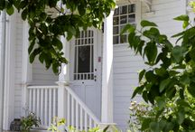 """lilly""""s white cottage"""