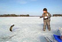 Ужасный азарт юнной рыбачки. Даже щуки не страшны.