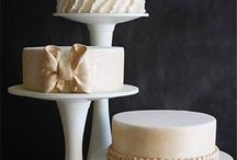 Wedding Cakes / Beautiful wedding cakes, cake styles, wedding cake toppers, treats and cupcakes and plenty more delicious ideas.  Just pick  your favorite!