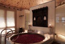 Luxury Hotels in Rajasthan / Best Luxury Hotels & 5 Star Hotels in Jaipur, Udaipur, Jodhpur, Jaisalmer Cities of Rajasthan.