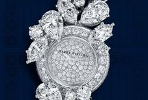 Jewellery: Harry Winston / by Lisa Phillips-Buchols