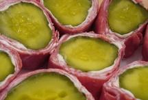 food that makes you go yummm / by Danyel Perkins