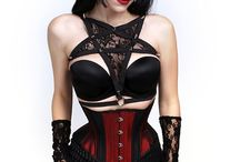 Harnesses / Harnesses that can be worn as lingerie or with an outfit.