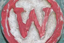 Letter W / representations of the letter W