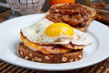 Rise and Shine!  Breakfast recipes / Breakfast! / by Rosa Avendaño