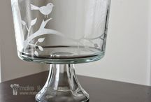 Mason Jars / DIY tutorials for glass etching, drawing, painting, etc. to make your glass and ceramic crafts look fabulous!