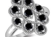 Black Diamond Rings / #blackdiamondring #blackdiamond #weddingrings #engagementrings