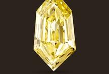 Jewellery - Loose Diamonds and Gemstones / Selini Bespoke Jewellery specialise in supplying and working with coloured and specialist diamonds and precious gemstones.