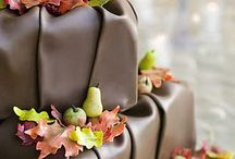 Fall Cakes, Cupcakes and Cookies / Fall theme cakes, cupcakes and cookies we admire.