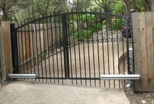 Fence Builders / We are the premier fence company in Austin, Tx. We carry a variety of fences from privacy to custom wood & from entry gates to automatic gate openers.