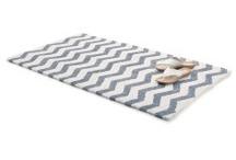 strictement necessaire : rugs
