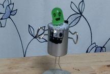 ian / 재활용품으로 만든 로봇