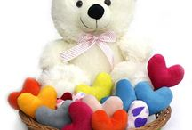 Teddy Bears For Valentine's Day / Pamper your Love with Cute, Huggable Cuties!