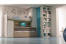 Idee arredo camerette bimbi per tutte le età / I mobili crescono insieme al tuo piccolo e ti aiutano a trasformare la casa in un perfetto spazio giochi.