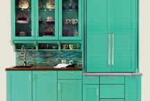 ColorInspire / ColorInspire is our color palette program that allows you to be the artist and choose from the paint decks of Sherwin Williams, Benjamin Moore, and Valspar for your cabinetry!