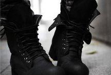 Одежда / Разные шмотки. Ботинки, брюки, куртки и прочая одежда.