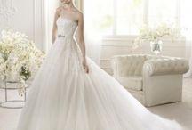 """Rochii de mireasă tip """"prințesă"""" / Îți dorești ca o rochie de mireasă de vis, potrivită unei prințese? Vezi modele disponibile pe StillWhite.ro!"""