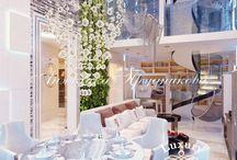 Дизайн интерьера квартиры в стиле модерн в ЖК Айвазовский / Главными элементами дизайна интерьера являются мягкие, плавные контуры и использование натуральных материалов. Это всё вместе создаёт неповторимую атмосферу лоска и комфорта. Выполненный дизайн в стиле модерн подчеркивает изысканный вкус хозяев. Мебель, люстры и другие компоненты вместе создали хороший интерьера в ЖК «Айвазовский».