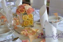 Narancssárga esküvői dekoráció- orange wedding decoration / A narancssárga egy nagyon vidám, élettel teli szín, mely a boldogságot, szabadságot és az erőt szimbolizálja. Sárga színnel párosítva gyönyörű őszi hangulatú esküvői dekorációt állíthatunk össze. Az őszi esküvők egyik központi elemévé válhat ez a szín. Ha egy igazán őszi hangulatú esküvői dekorációt szeretnénk, akkor nem maradhat ki a repertoárból.