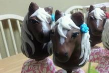cake pops/ball/truffles ideas / by Azucena Maldonado