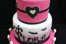Cakes!!! / by Jessica Ramos