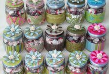 Creative Upcycling of Baby Food Jars / What to do with all those glass baby food jars? Here are some creative upcycling ideas!