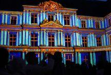 Światło i dźwięk w zamku nad Loarą / Przedstawienie ukazujące historię zamku i Francji w stylu światło idźwięk