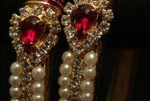 Beautiful Jewelry / by Lee Ann Houser