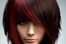 Värejä hiuksissa