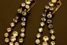 Örhängen och smycken
