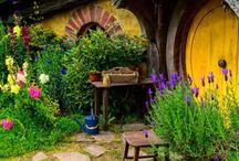 hobbit houses and hobbits