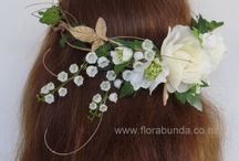 Pretty pastel Artificial flowers for Weddings / The very best of artificial or fake flowers for weddings. Bouquets, hair flowers and corsages and buttonholes