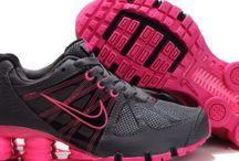 Shoes, Heels, & Boots