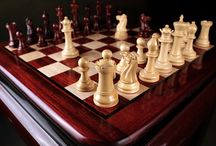 Affordable Cool Wooden Chess Pieces - chessbazaar.com / Our mid range chess pieces are luxury without burning a hole in your pocket. Aesthetically designed, hand carved and appropriately weighted, this category of chess pieces is a favourite among serious chess players and chess set collectors.