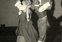 Imágenes diferentes con Castañuelas / Coge la manzana, te la comes y riá pitá en castanuelas.com. Las castañuelas, instrumento de concierto, pareja de baile en e folclore. Eleva la técnica en el flamenco.