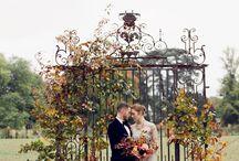 Autumn wedding arch