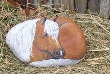 Horse-painted rocks