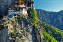 Butan / Capital: Timbu;Población: 725.000;Nord: Xina;Sud: Bangladesh; Est: India; Oest: Nepal