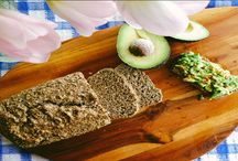 Koolhydraatarm brood / Op dit bord vindt u alle koolhydraatarme brood recepten van onze website Lowcarbchef.nl
