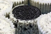 World of oreos / What if you could survive eating only oreos? But yet no one have tried