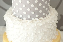Wedding Cakes and Sweet Treats / Your wedding cake doesn't have to be boring!