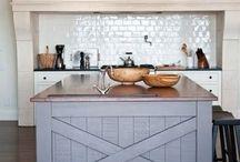 Kitchens / by Erin Bennett
