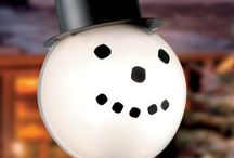 Snowman Lamp Post Cover / Snowman lamp post cover to enhance your outdoor Christmas lights display with a welcoming appearance.