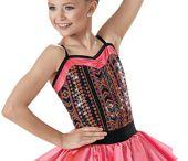 Show tánc ruhák