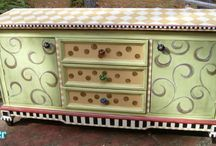 painted furniture I just gott try!