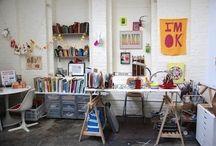 Inspiring work spaces / #workspace #wfh #office #interiordesign #interiors #deskspace #officeinspiration